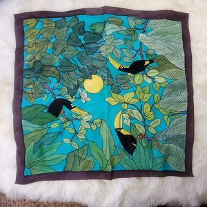 Soie Naturelle Made in France Tucan Handkerchief